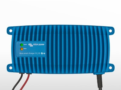 Chargeur VICTRON Blue Smart IP67 24/12 (Si) Schuko