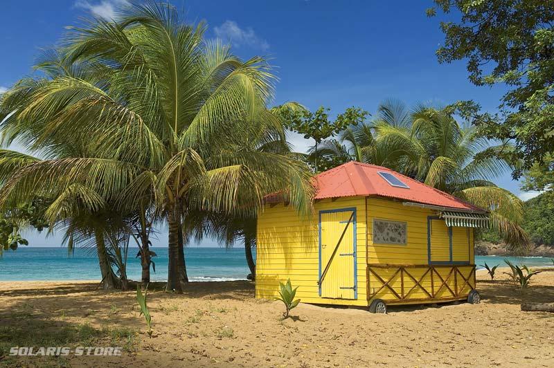 énergie solaire autonome en Guadeloupe pour l'éclairage en bord de Mer