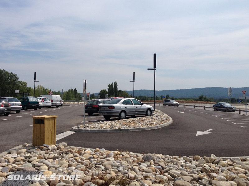 Pertuis (84) / Installation de candélabres solaires autonomes sur un parking