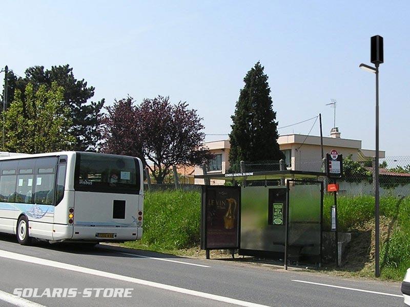 Rhà ?ne (69) / Eclairage d´un abris bus isolé du réseau ERDF