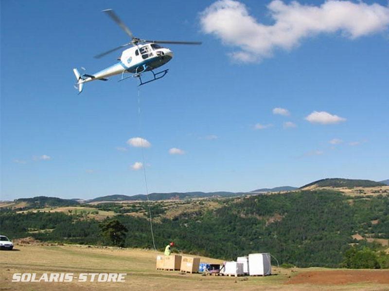 Haute-Loire (43) / Livraison du matériel par hélicoptère au Mas de Bonnefont, site isolé du réseau EDF