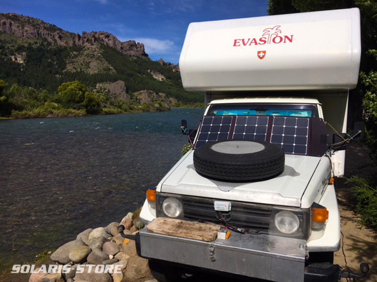 CAMPING-CAR équipé d´un panneau solaire à haut rendement (cellules Sunpower) pliable 120 Wc