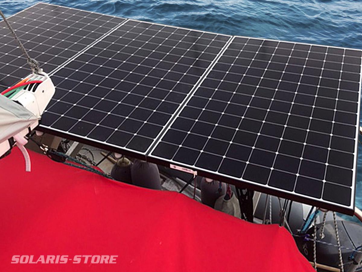 3 panneaux solaires SUNPOWER fixer sur un Catamaran