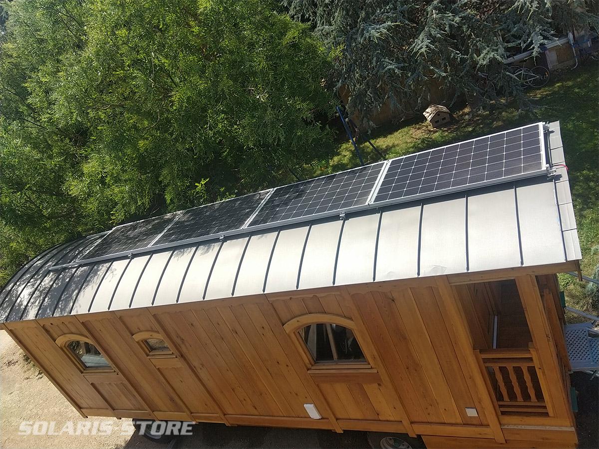 Roulotte en bois / 100% solaire