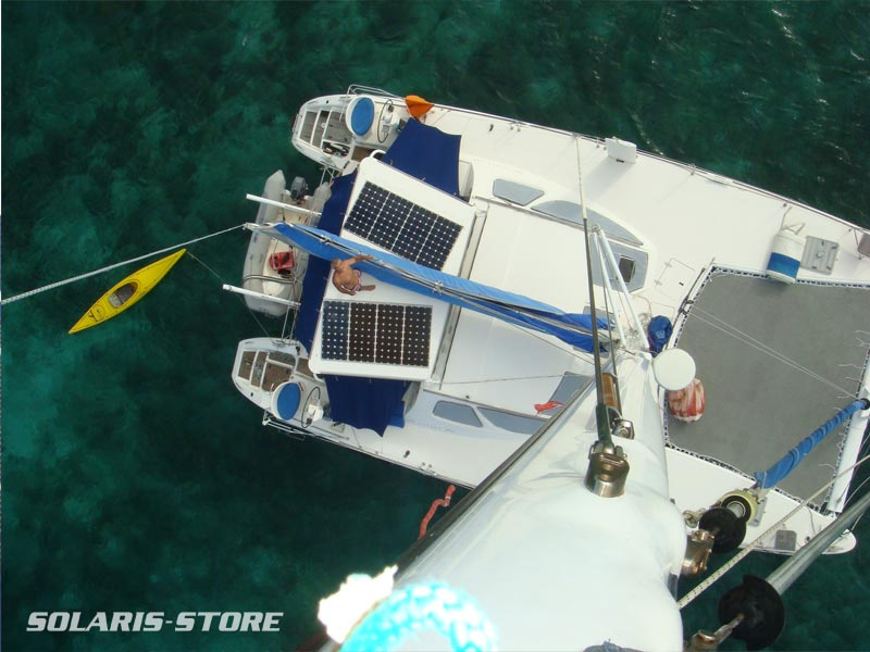 Panneau solaire à haut rendement spécial marine SOLARA installés sur un voilier