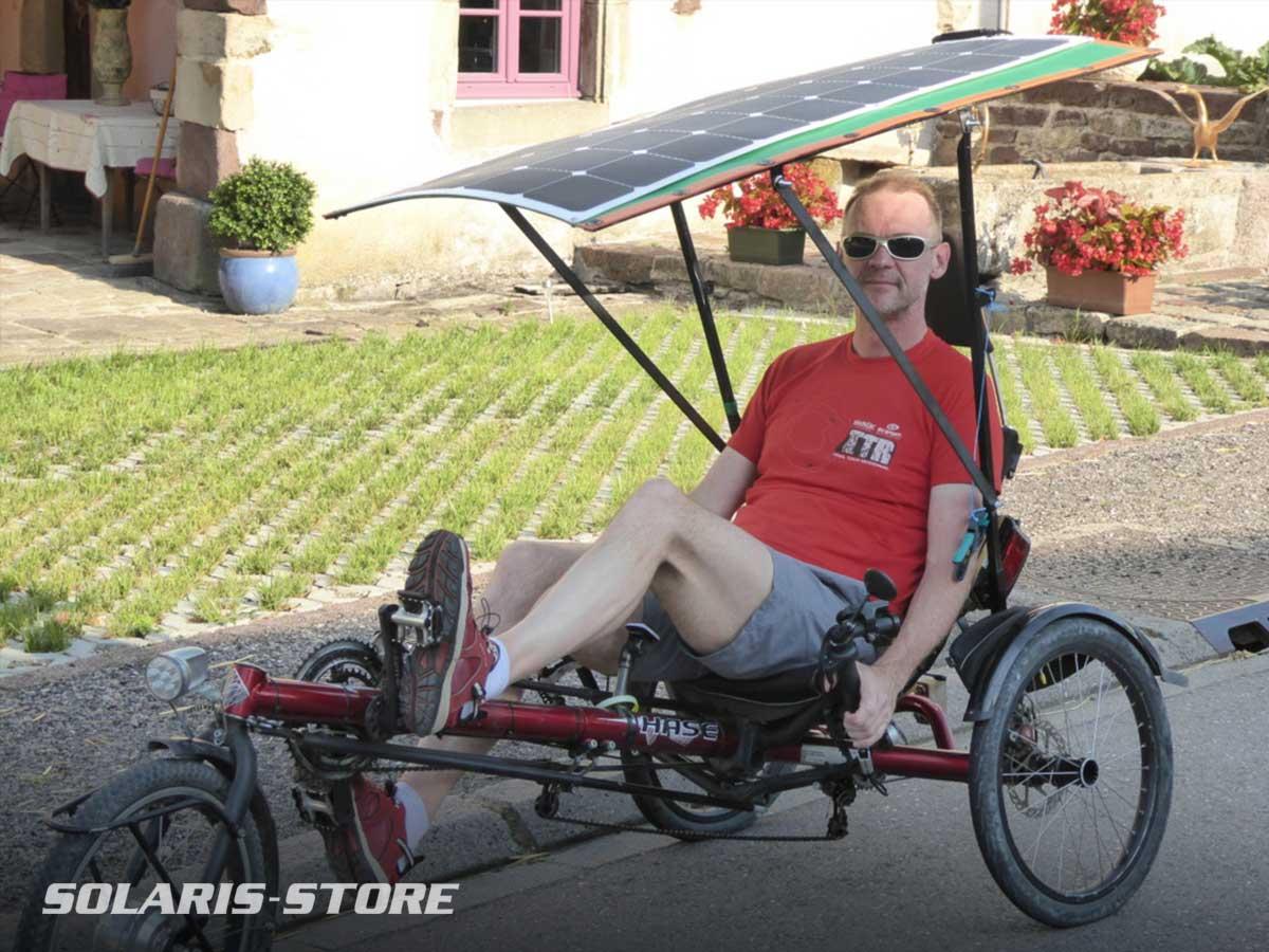 Panneau solaire souple pour équiper un vélo couché électrique