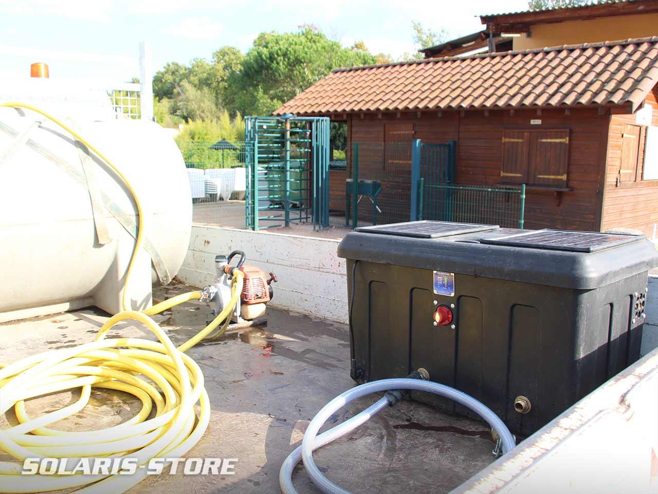 Ain (01) / Pompe solaire embarquée sur un camion des services Espace Vert de la Mairie de Trévoux