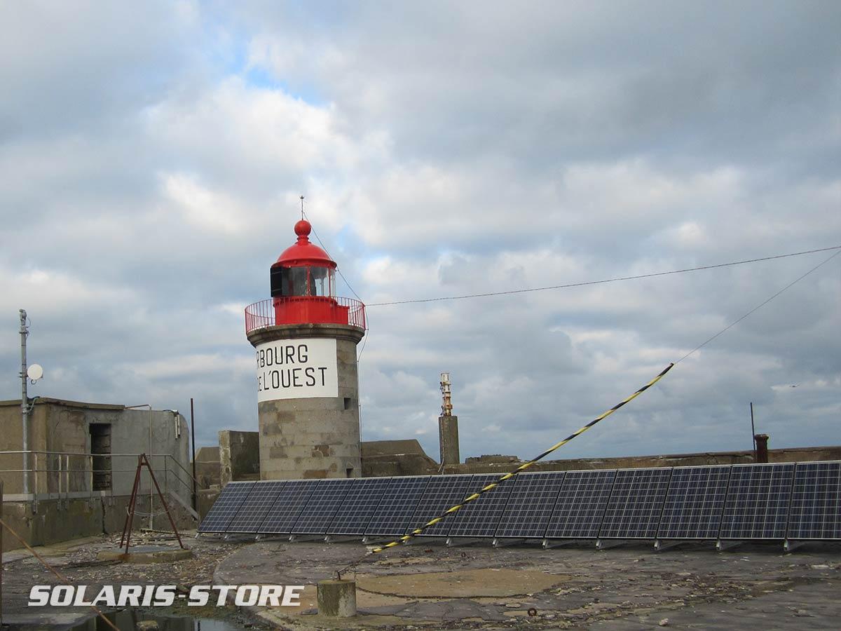 Manche (50) / Centrale solaire pour alimenter en totale autonomie le phare du fort de l´ouest à Cherbourg